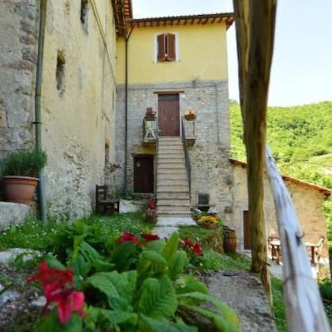 Appartamento le more a Spoleto (Pg) - Pompagnano - Bed & Breakfast