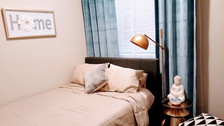 Modern and new furnished studio in Lakeview 7