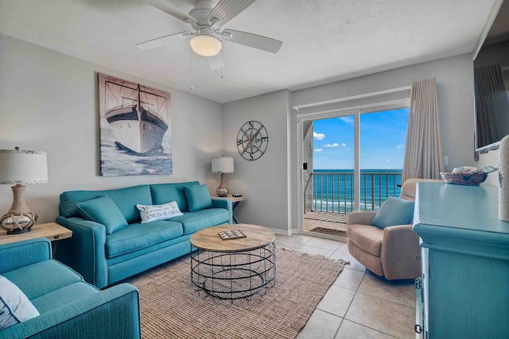 Newly Remodeled 2B/2B Ocean Front 4th Floor Views!