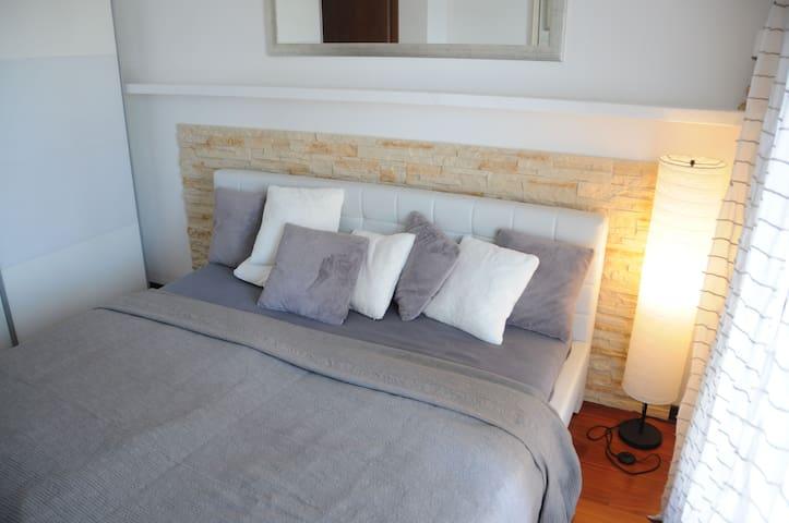 Sleeping room B with terrace