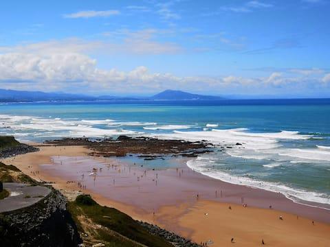 B+B+ocean view for 2 in biarritz +surfboards
