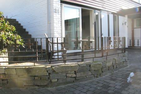 Nyrenovert leilighet nær sentrum - Grimstad