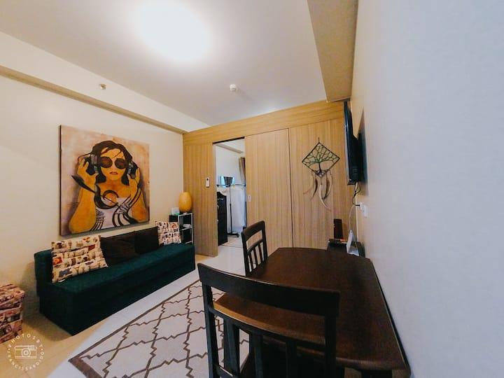 Bahay ni Juan. SMDC Breeze Residences
