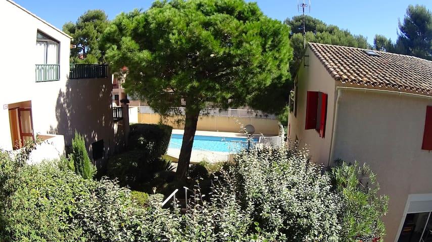 Appartement avec piscine, à 150 mètres de la mer
