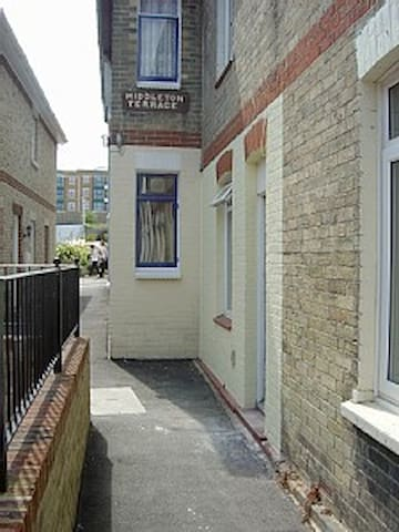 1900 Period Cottage in the heart of Cowes