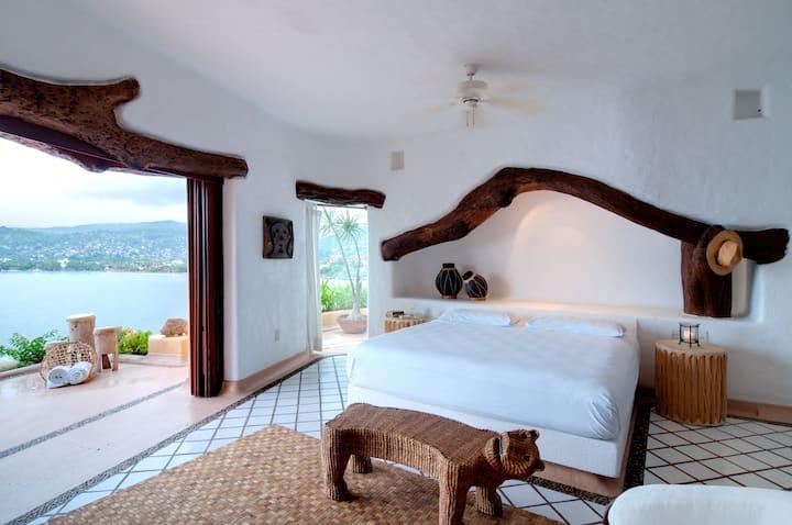 "Seafront Mexican style Villa ""Espuma"""