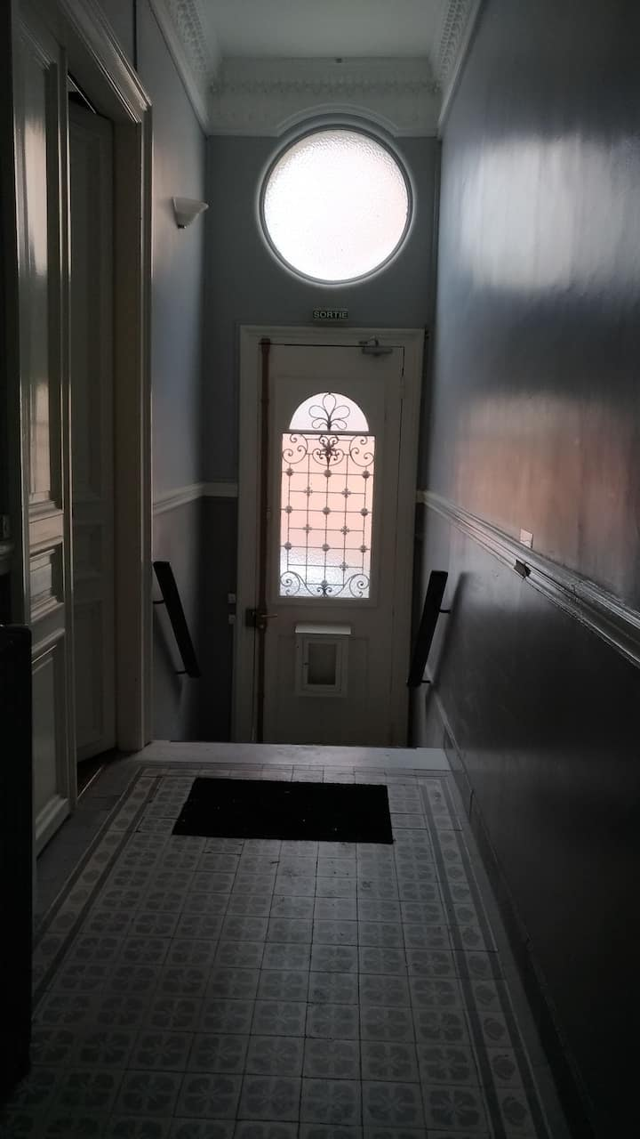 Studio lumineux à l'étage,dans maison de sculpteur