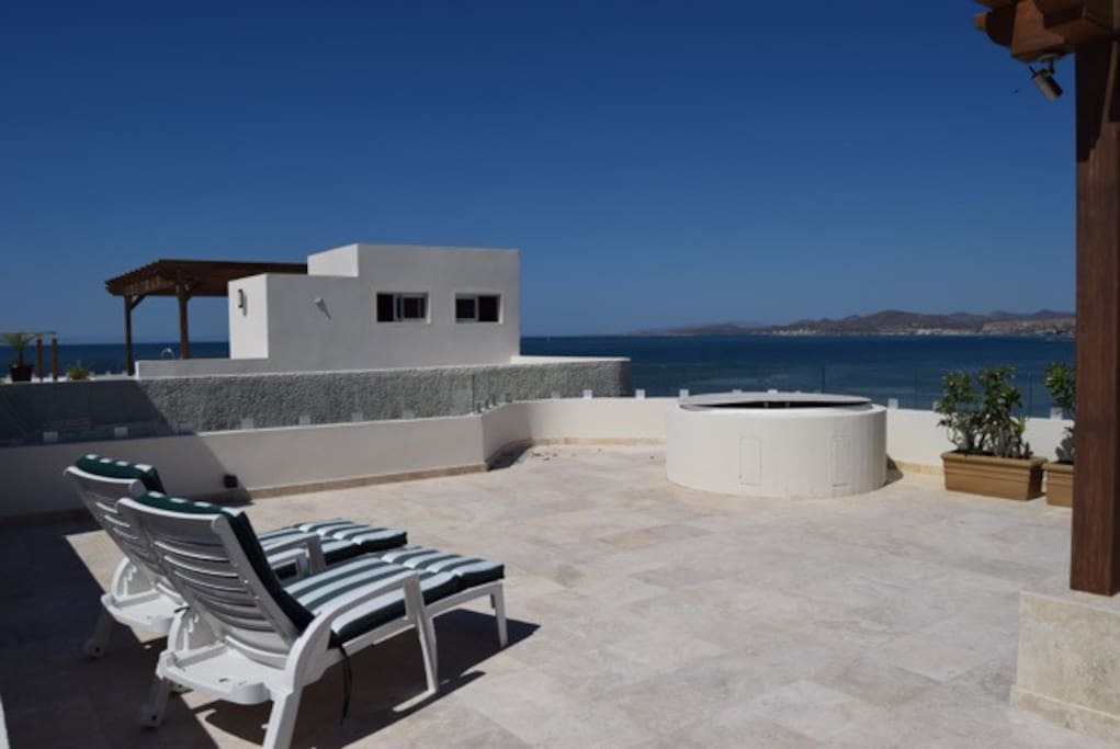 Your very own private terrace with jacuzzi