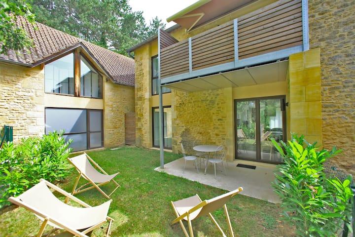 Appart Supérieur 2 chambres, jardin privé, Sarlat