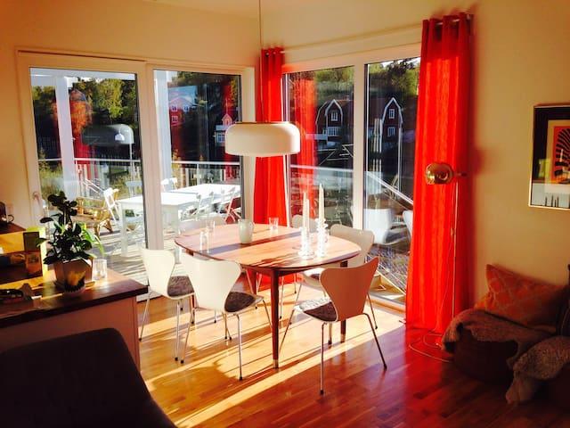 Parhus med fantastisk uteplats - Enebyberg