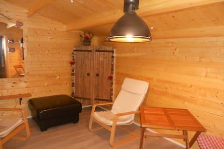 chalet en bois dans maison ardéchoise en pierre - Saint-Romain-de-Lerps