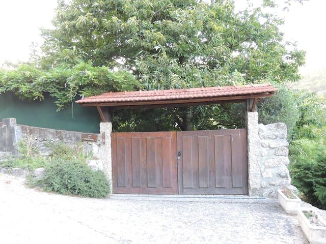 Casa do Castanheiro - Tranquilidade no Gerês - Berredo - Casa de campo