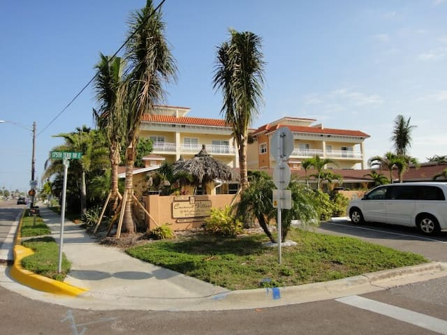 Cozy Efficiency near Beach #9 - Redington Shores - Pis