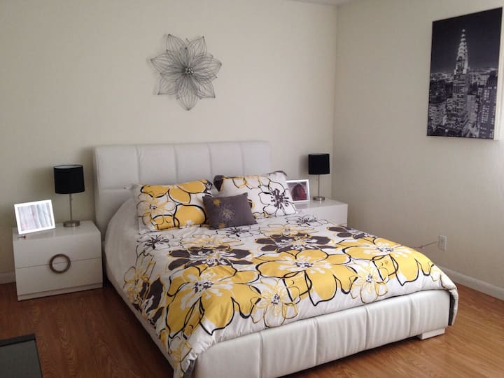 Modern room with parking  steps  to Dadeland Mall
