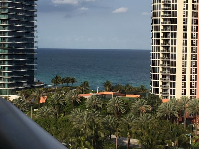 Spectacular apartment in Sunny Isles Beach