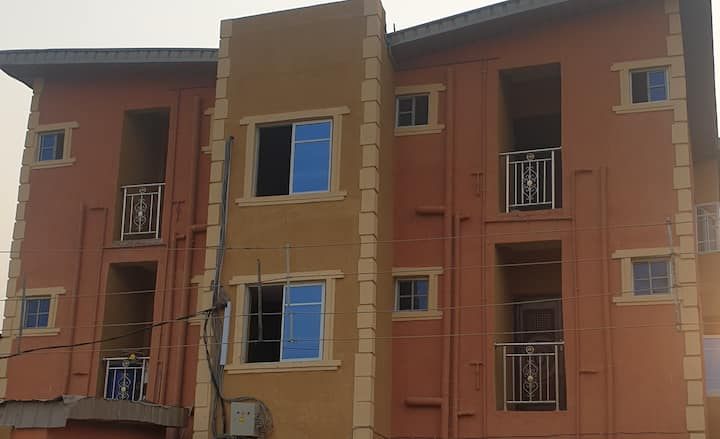 CHEAP SHORT LET APARTMENT IN MAINLAND LAGOS