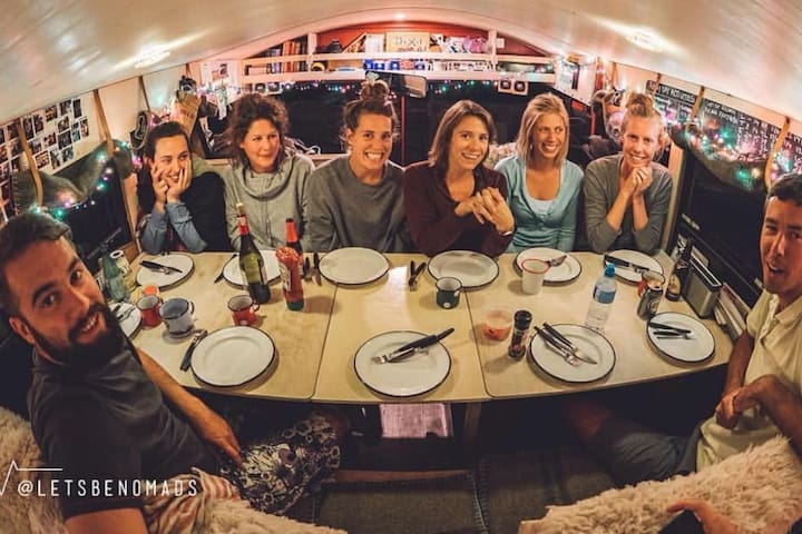 The adventure hostel on wheels: The Nomads Bus - Mayrhofen - Bed & Breakfast