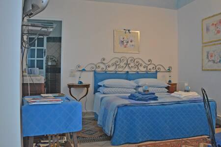 Altoblu, tra cielo e mare - Junior Suite Cielo blu - Ventimiglia - Bed & Breakfast