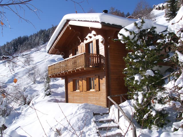 Swiss Chalet, directly slope access - Hérémence - Huis