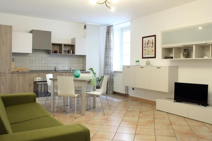 New 3-rooms Apartment in Salò city center
