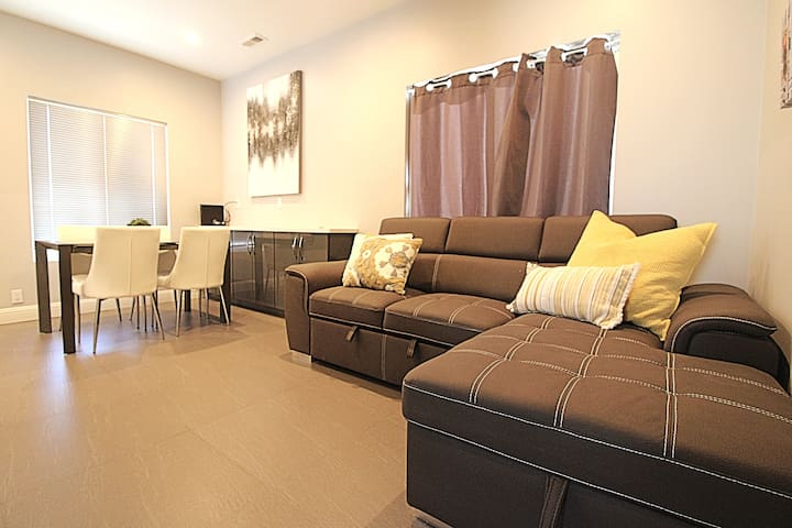 Modern Guesthouse with 2BR  in San Francisco Area