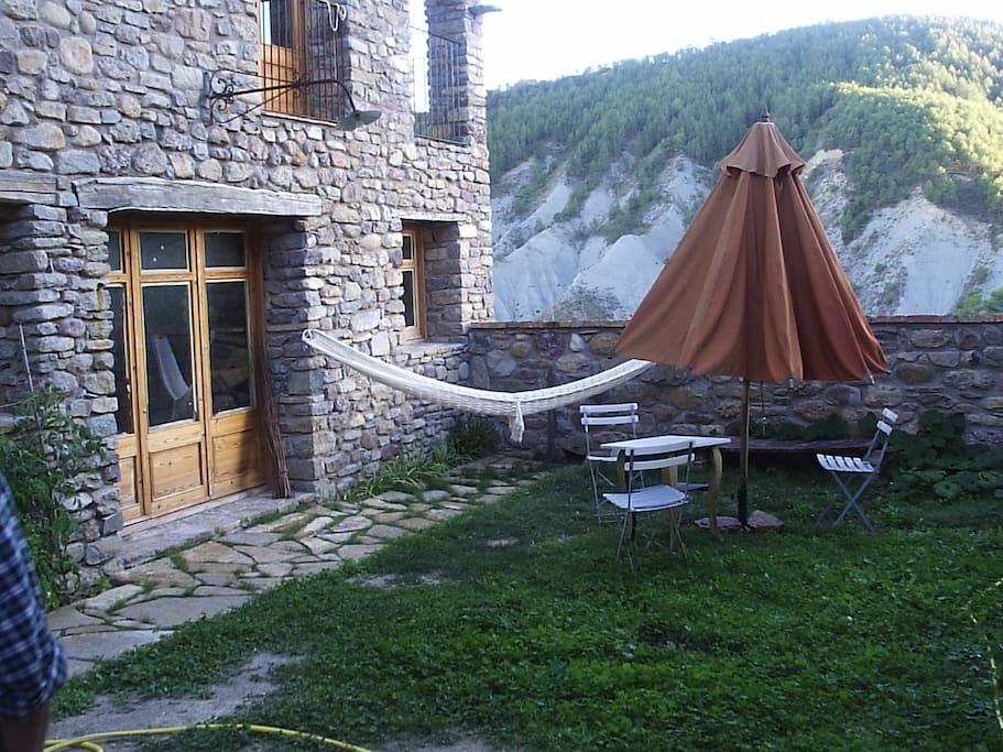Fachada principal al patio
