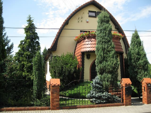 A lovely house for overnight and holiday! - Wroclaw - Dům