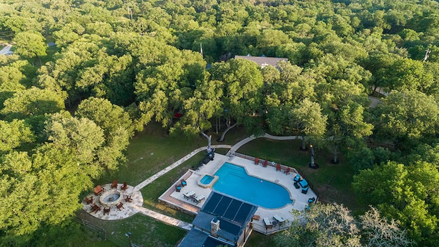 The Whispering Oaks Estate