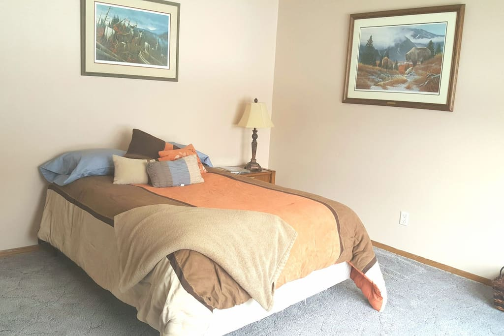 Double bed in a spacious room!
