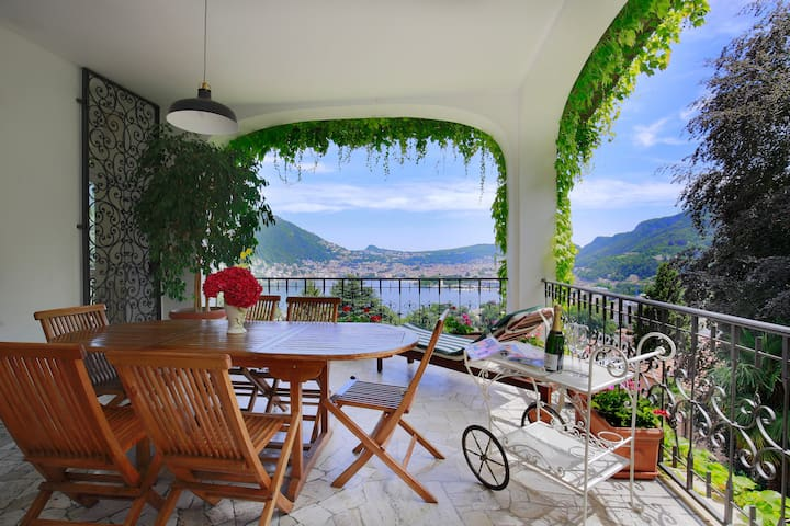 Gorgeous lake view ! - Como - Casa