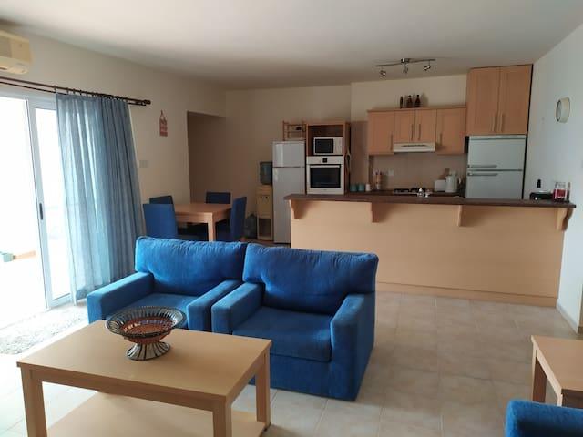 Большая квартира на Северном Кипре рядом с морем!