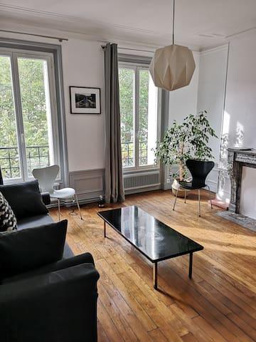Lumineux,chic, appartement Haussmannien  de 50 m2