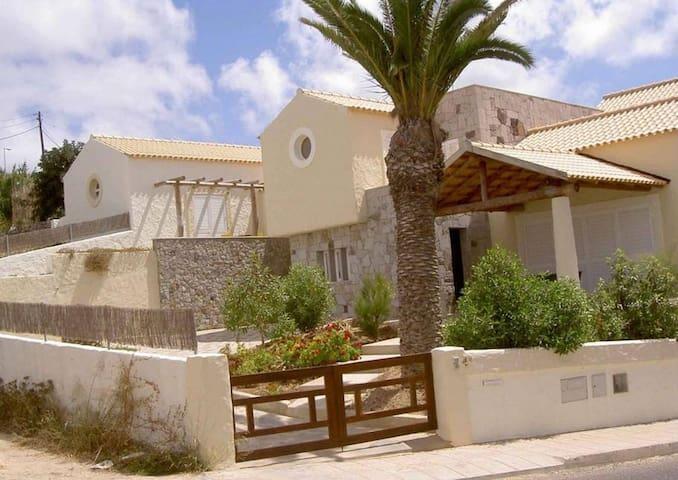 Charming Beach Villa   Porto Santo