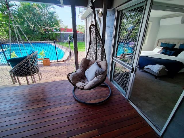 Self Contained Studio Apartment with Pool View