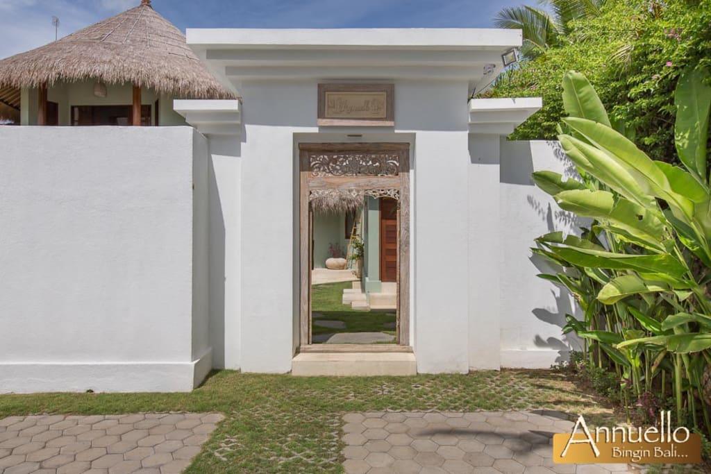 Villa Annuello - Main Entrance
