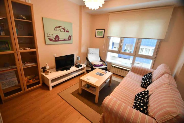 Quiet and spacious apartment in the center. GIJON.