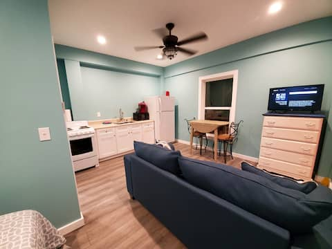 Waterfront On the Bay Studio Apartment B