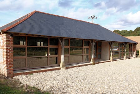 Dines Barn self-catering. Sleeps 6. - Hatherden - Huis