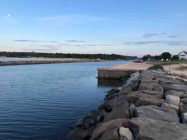Hampton Bays, Home with a View