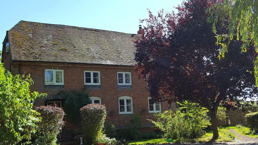 The Granary at Cublington -  private apartment