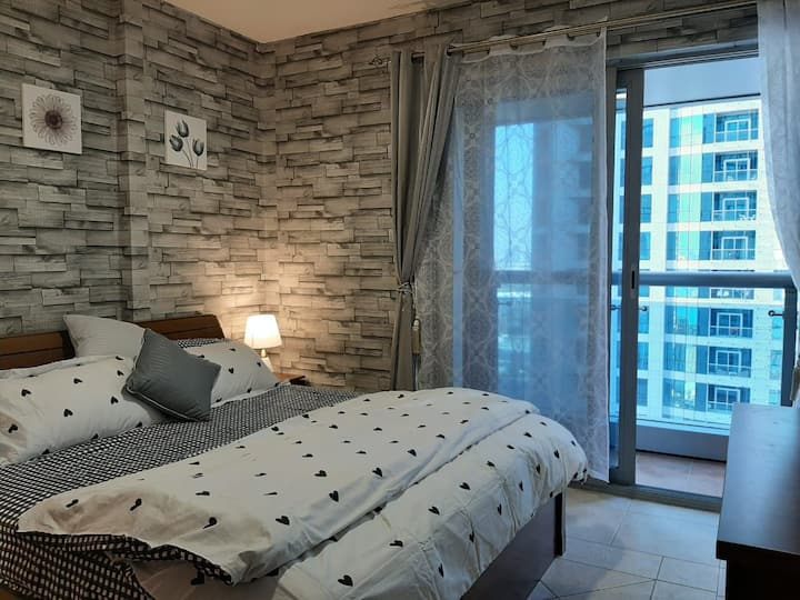 Private room wd attached bath & balcony 1508