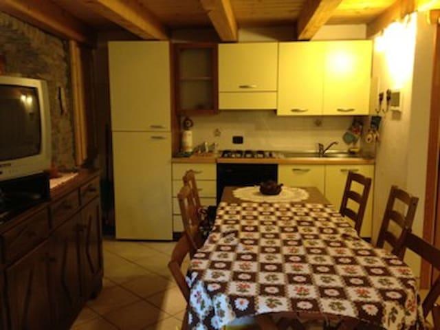 Monolocale rustico per coppie - Fossaz - Apartemen