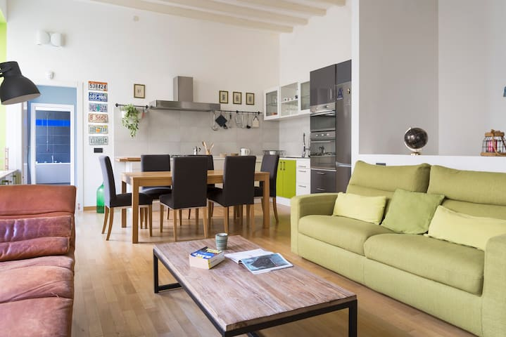 MILANO FANCY LOFT, COZY HOUSE, 6 guests, center