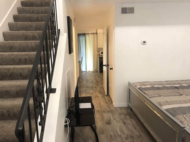 Cozy place in Orlando! Pets welcome!!!
