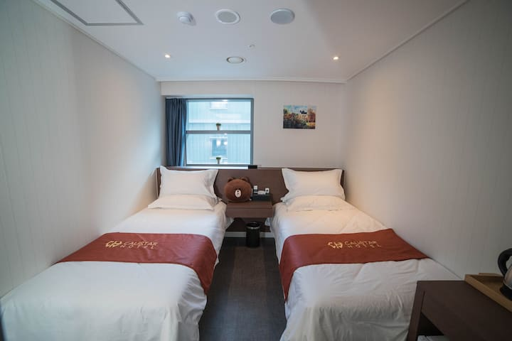 [Myeongdong] #006 , Twin Room , Breakfast