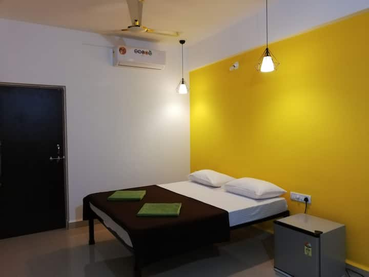 Spacious Room in Saligao near Baga..