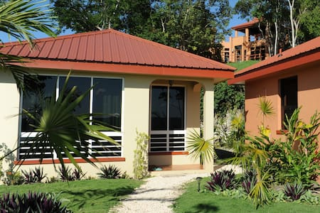 Villa Cayo#4 Affordable Luxury-A/C-Internet-Movies - San Ignacio - Appartement