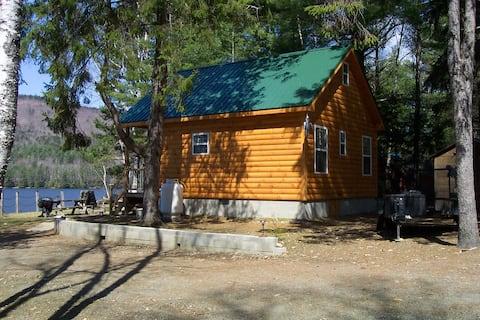 Cozy Cabin Steps from Wyman Lake