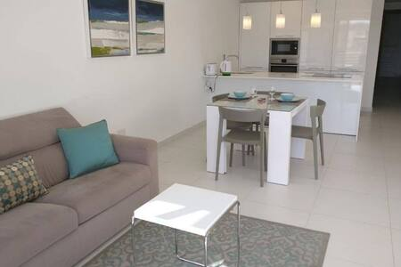 Sea View Newly Furnished Apartment - Marsaskala - Wohnung
