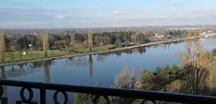 F3 spacieux  vue imprenable sur lac